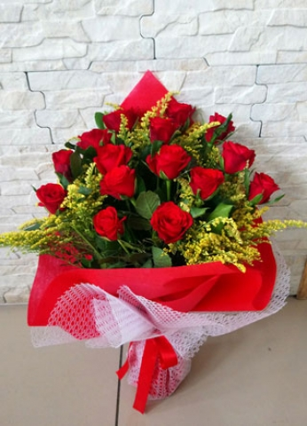 Kırmızı Gül Buketi Aşkıma 15