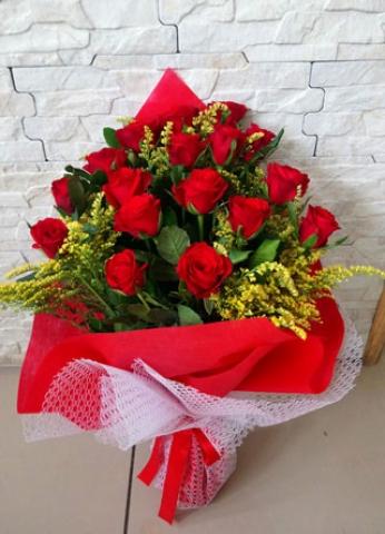 Kırmızı Gül Buketi Aşkıma 19