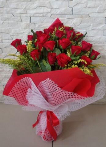 Kırmızı Gül Buketi Aşkıma 21